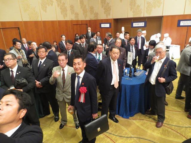 大阪宅建政治連盟シンポ 行ってきました
